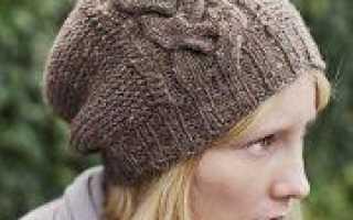 Молодежные вязаные шапки: модные тенденции и описание работы