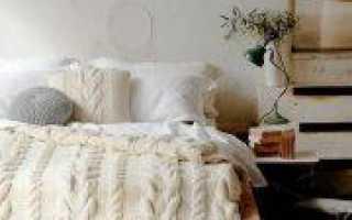 Вязаные подушки спицами со схемами и описанием
