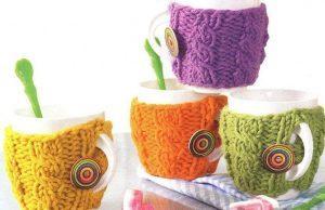 Разноцветные чехлы на чашках