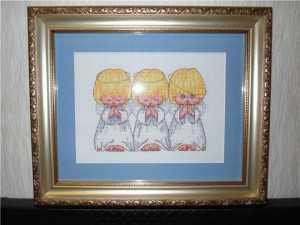 Три ангелочка в рамке